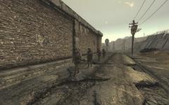 Camp Mc Carran : Patrouille à l'extérieur des murs